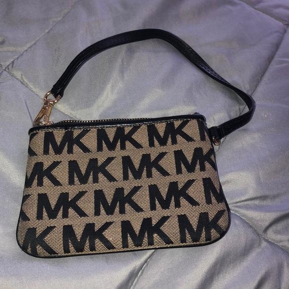 Michael Kors Handbags - MK wallet